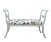 Деревянные столы, стулья, банкетки фирмы CARA